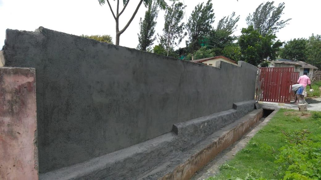 Reconstruction du mur d'enceinte